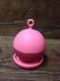 Infuseur en silicone rose flottant avec support